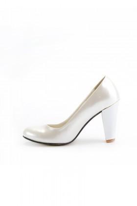 ef4041651d82a Moda Vindy Beyaz MVD-KLSK-4000 Klasik Topuk Bayan Ayakkabı · Moda ...