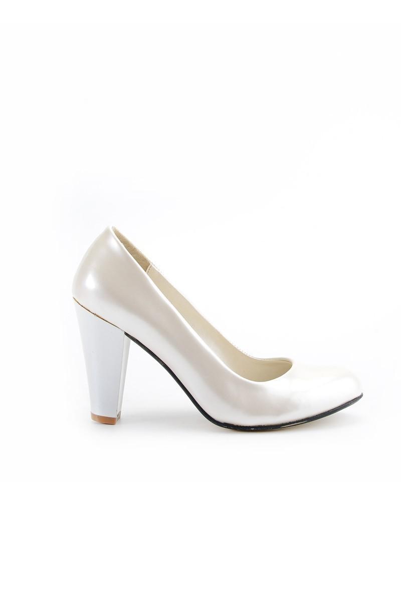2b8b162812b83 ... Moda Vindy Beyaz MVD-KLSK-4000 Klasik Topuk Bayan Ayakkabı ...